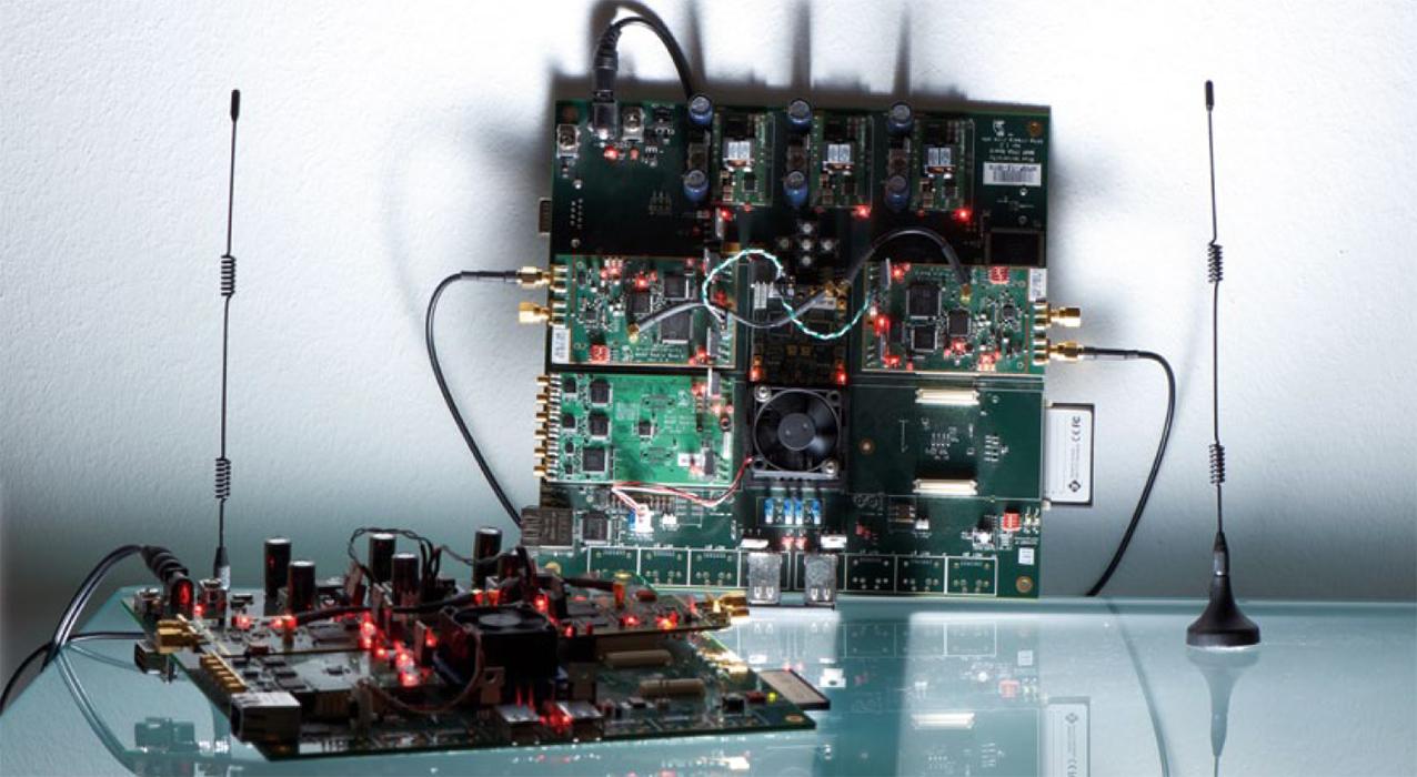 Programmable radio platform WARP