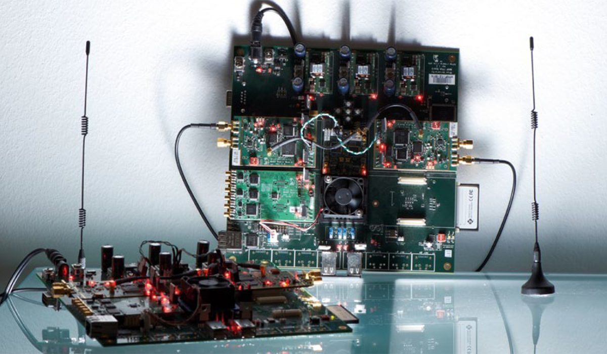 Programmable radio boards (WARP)
