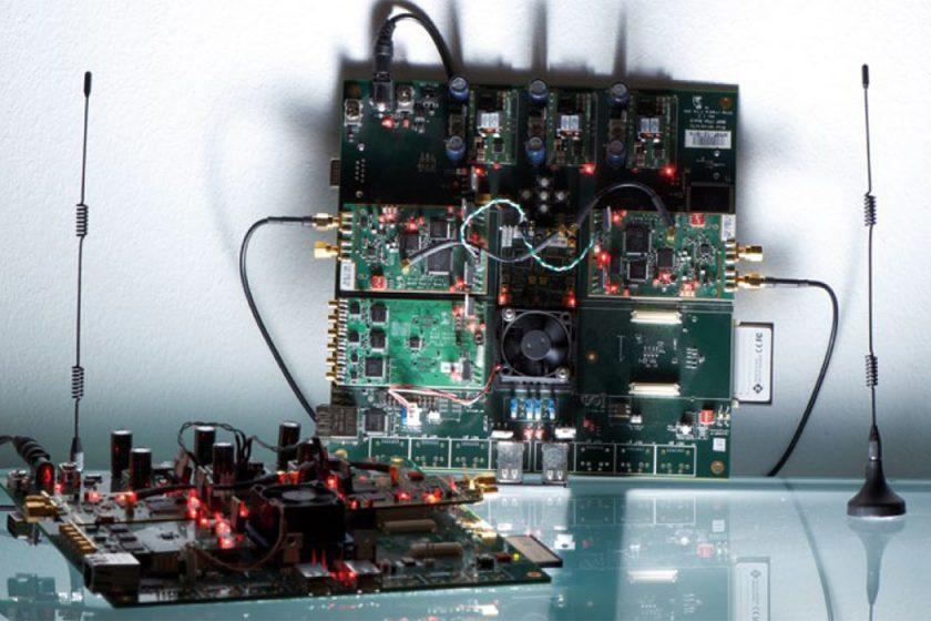 Programmable radio boards (WARP)